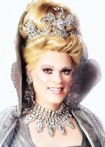 Empress XXIV Farrah Moans